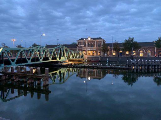 Afbeelding #001 voor het verhaal De nieuwe verlichting van de Stationsbrug in Middelburg