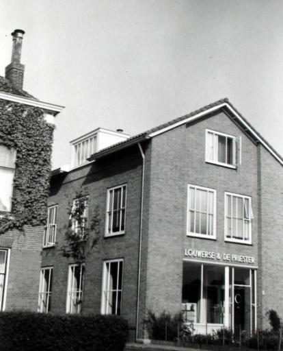 Afbeelding #000 voor het verhaal De (voor-) geschiedenis van Karwei Middelburg: Louwerse en de Priester