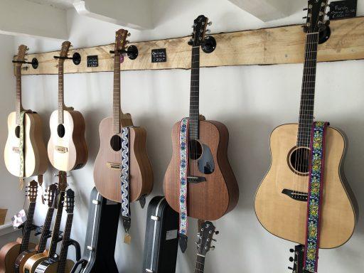 Afbeelding #013 voor het verhaal LP Guitars geopend in de Vlissingsestraat in Middelburg