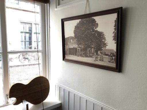 Afbeelding #015 voor het verhaal LP Guitars geopend in de Vlissingsestraat in Middelburg
