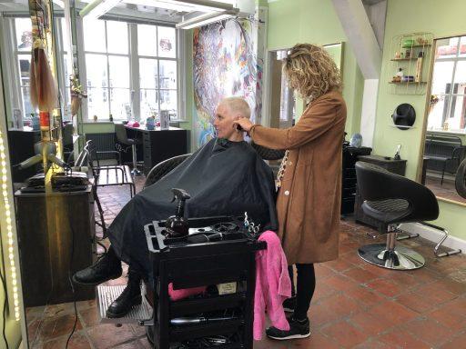 Afbeelding #002 voor het verhaal Samen sterk: Sohair en Beauty Studio Middelburg