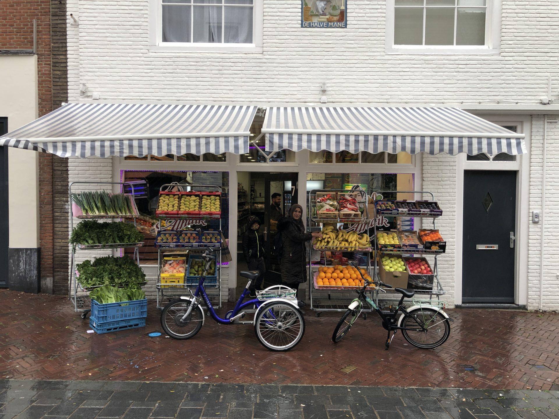 Afbeelding #019 voor het verhaal Supermarkt Alhaik geopend in de Gravenstraat