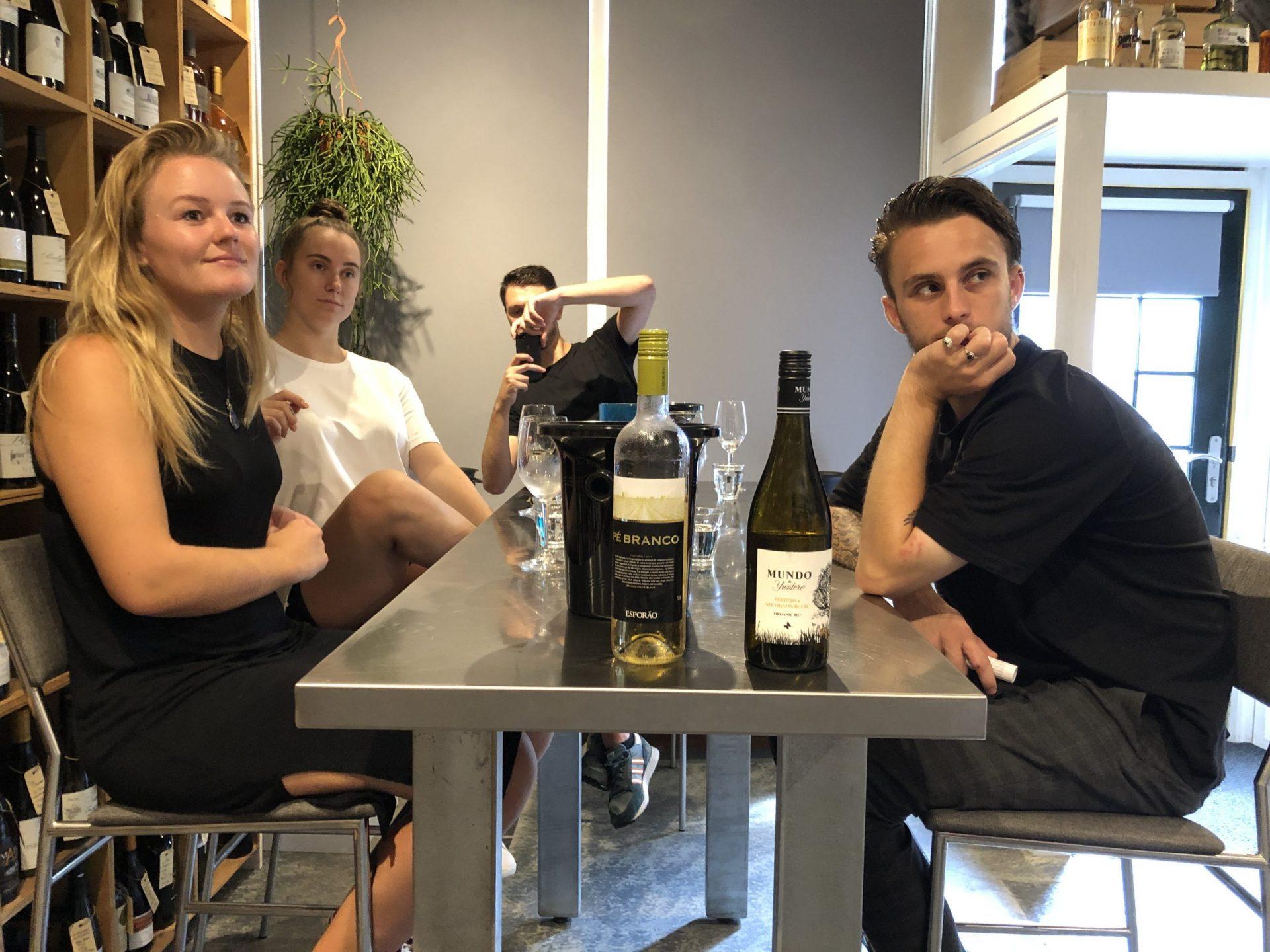 Afbeelding #000 voor het verhaal Team Seventy-Seven proeft wijnen van 12 procent of meer