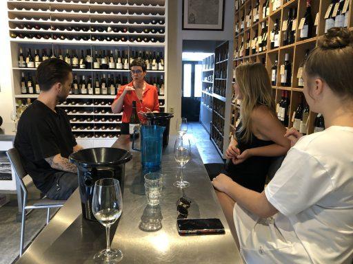 Afbeelding #001 voor het verhaal Team Seventy-Seven proeft wijnen van 12 procent of meer
