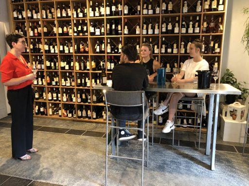 Afbeelding #003 voor het verhaal Team Seventy-Seven proeft wijnen van 12 procent of meer