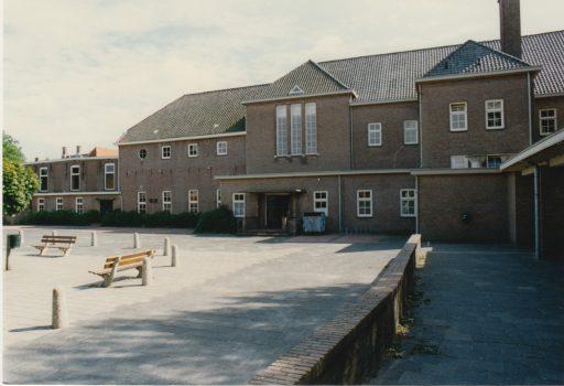 Afbeelding #000 voor het verhaal 1997: de sloop van de voormalige SSGM in de Sint Pieterstraat (foto's)