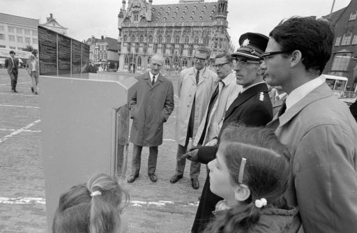 Afbeelding #000 voor het verhaal 50 jaar geleden: de invoering van betaald parkeren op de Markt in Middelburg