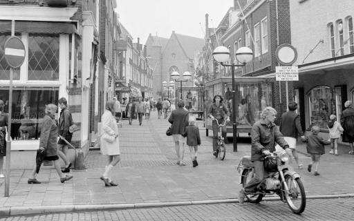 Afbeelding #003 voor het verhaal 50 jaar geleden: de opening van de Burgpromenade in Middelburg