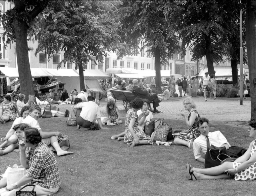 Afbeelding #003 voor het verhaal 50 jaar geleden: drukte op de Middelburgse Weekmarkt en Kermis