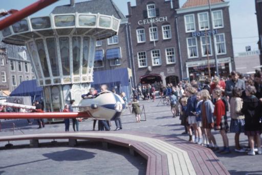 Afbeelding #004 voor het verhaal 50 jaar geleden: drukte op de Middelburgse Weekmarkt en Kermis