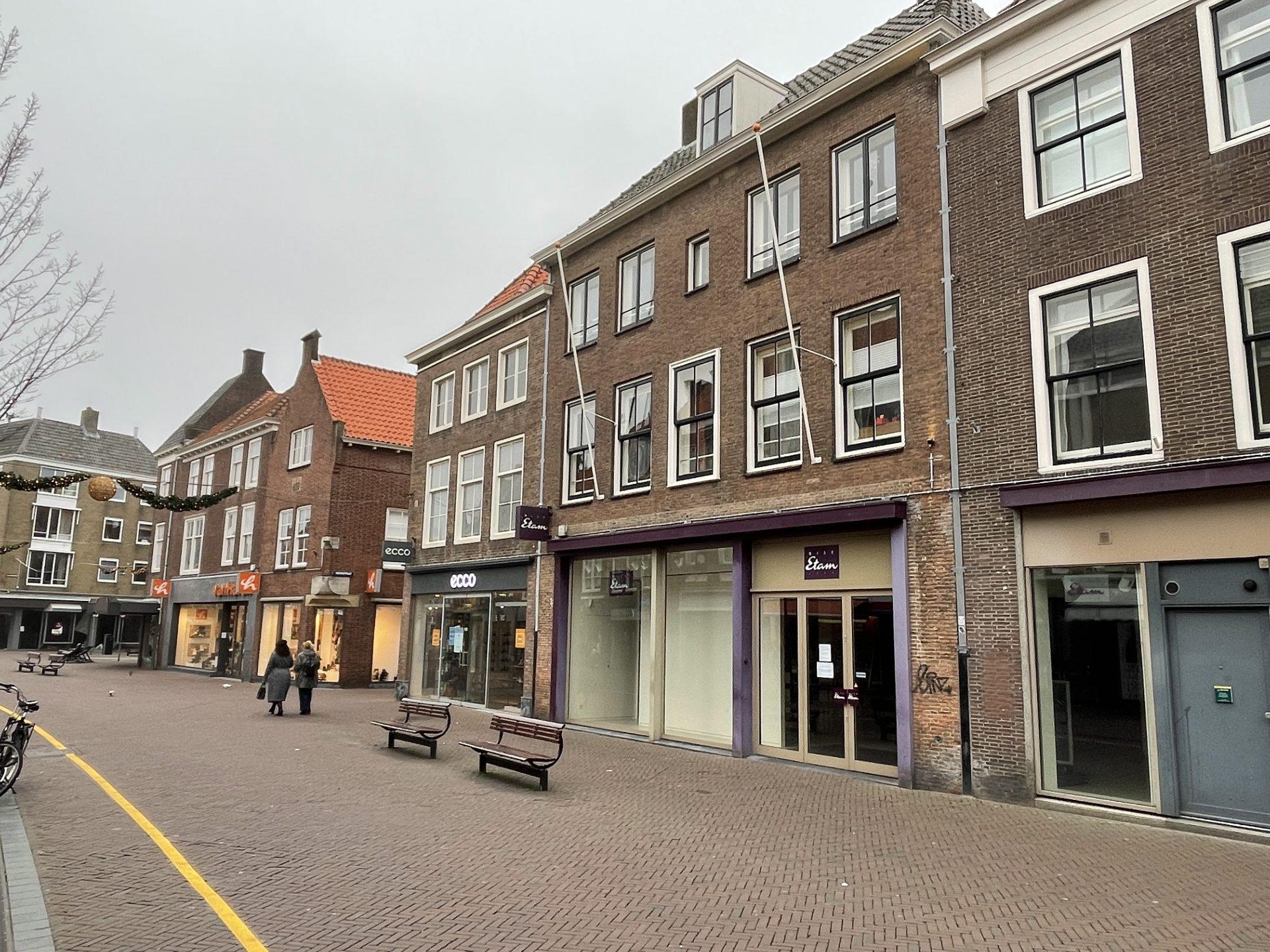 Afbeelding #001 voor het verhaal Miss Etam Middelburg sluit definitief, na 41 jaar