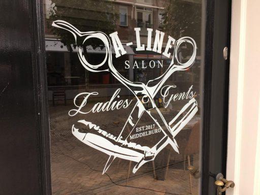 Afbeelding #000 voor het verhaal Aafke Bongertman opent salon A-line aan de Lange Geere in Middelburg