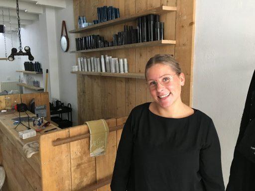 Afbeelding #001 voor het verhaal Aafke Bongertman opent salon A-line aan de Lange Geere in Middelburg