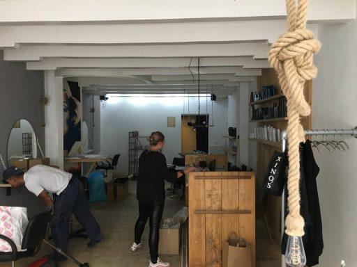 Afbeelding #002 voor het verhaal Aafke Bongertman opent salon A-line aan de Lange Geere in Middelburg