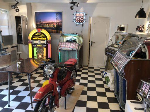 Afbeelding #000 voor het verhaal Amazing Years: een pop-up expositie in de Herenstraat