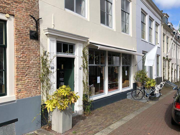 Afbeelding #000 voor het verhaal Anne en Masha: de nieuwe uitbaters van Het Lokaaltje in de Sint Janstraat