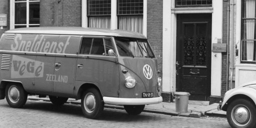 Afbeelding #001 voor het verhaal Auto's in het Middelburg van de jaren 60