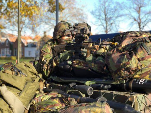 Afbeelding #000 voor het verhaal Bevo Seal: een oefening van de Luchtmobiele Brigade in Middelburg