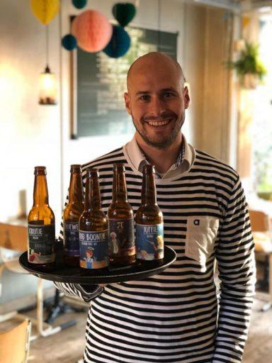 Afbeelding #000 voor het verhaal Bier van De School in Het Lokaaltje