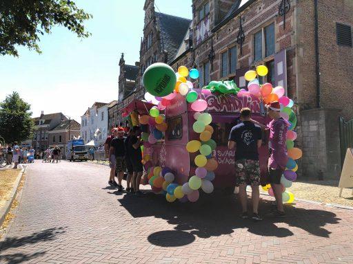 Afbeelding #002 voor het verhaal Bij de braderie van Terre des Hommes Middelburg