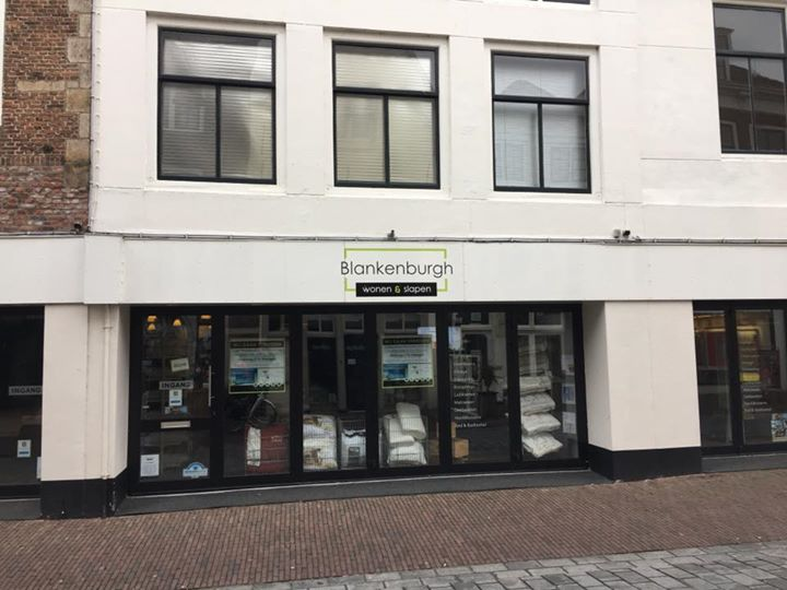 Afbeelding #000 voor het verhaal Binnenkort: een pop-up 'Oldtimershop' in de Langeviele in Middelburg