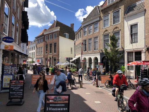 Afbeelding #001 voor het verhaal Binnenstadsteams op pad in Middelburg