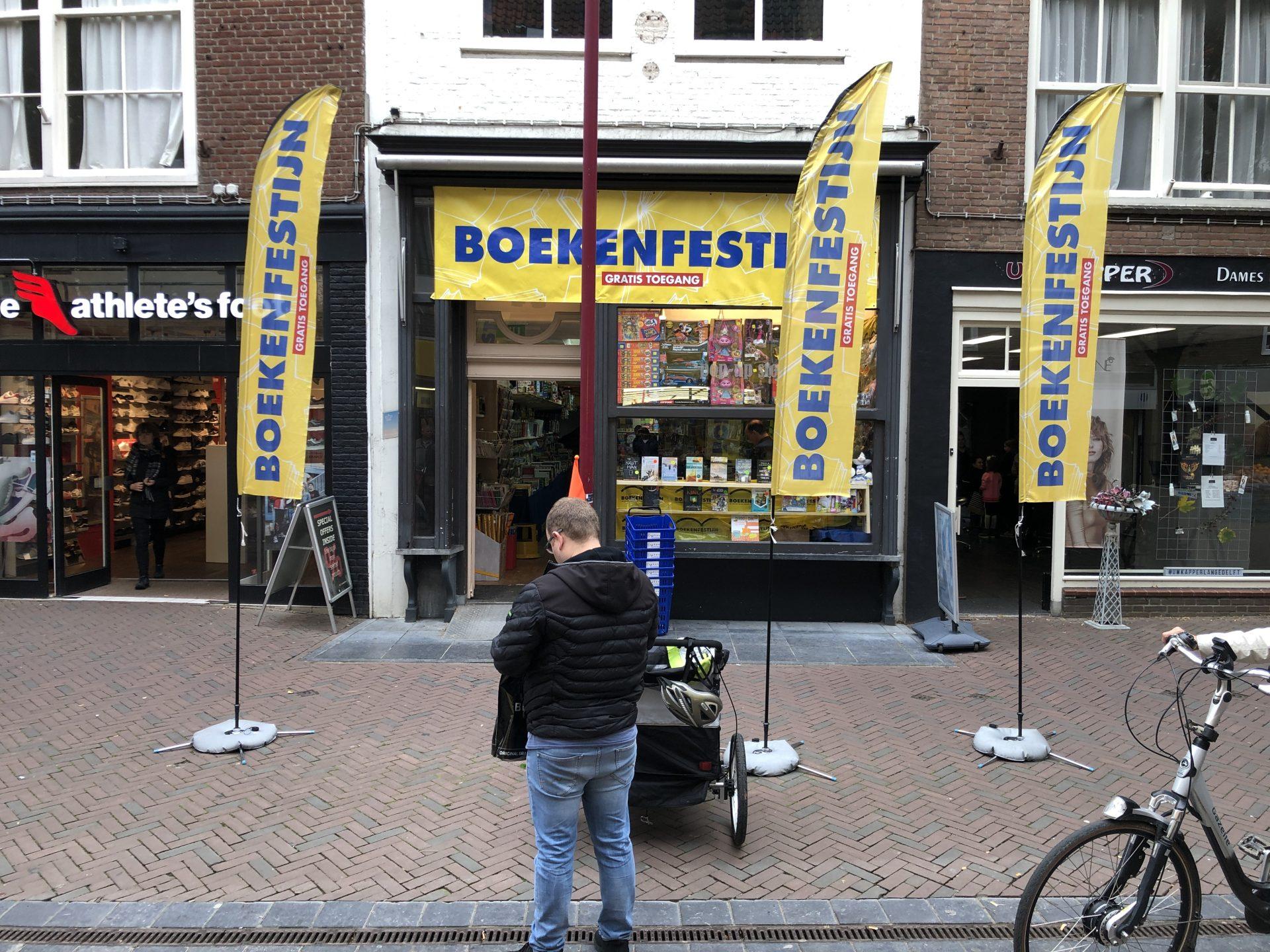 Afbeelding #000 voor het verhaal Boekenfestijn geopend in de Lange Delft in Middelburg
