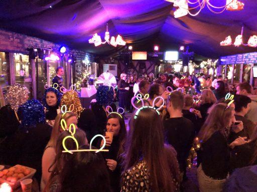 Afbeelding #003 voor het verhaal Bomont viert feest bij IJsbaan Middelburg