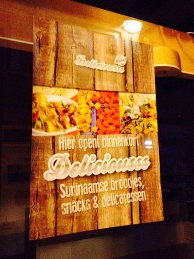 Afbeelding #000 voor het verhaal Broodjeszaak Deliciousss opent in de Lange Geere