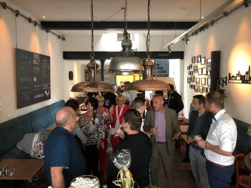 Afbeelding #000 voor het verhaal Café-Restaurant Markt 21 vanaf vandaag geopend
