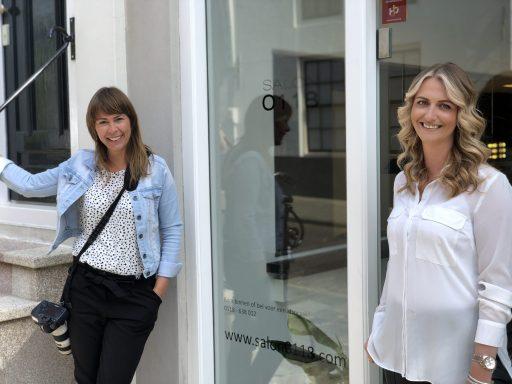 Afbeelding #000 voor het verhaal Chantal & Linda over de heropening van Salon 0118 en mooie ondernemersportretten