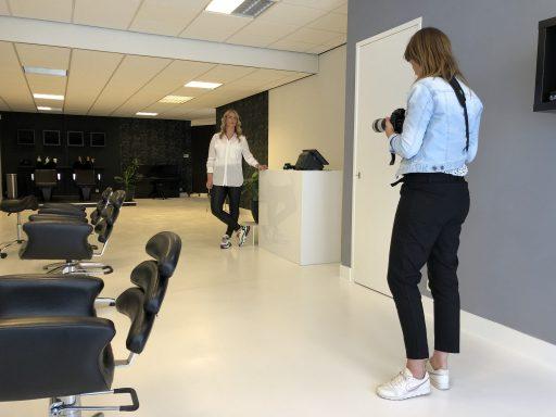 Afbeelding #001 voor het verhaal Chantal & Linda over de heropening van Salon 0118 en mooie ondernemersportretten
