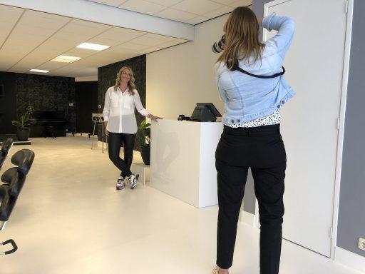 Afbeelding #002 voor het verhaal Chantal & Linda over de heropening van Salon 0118 en mooie ondernemersportretten