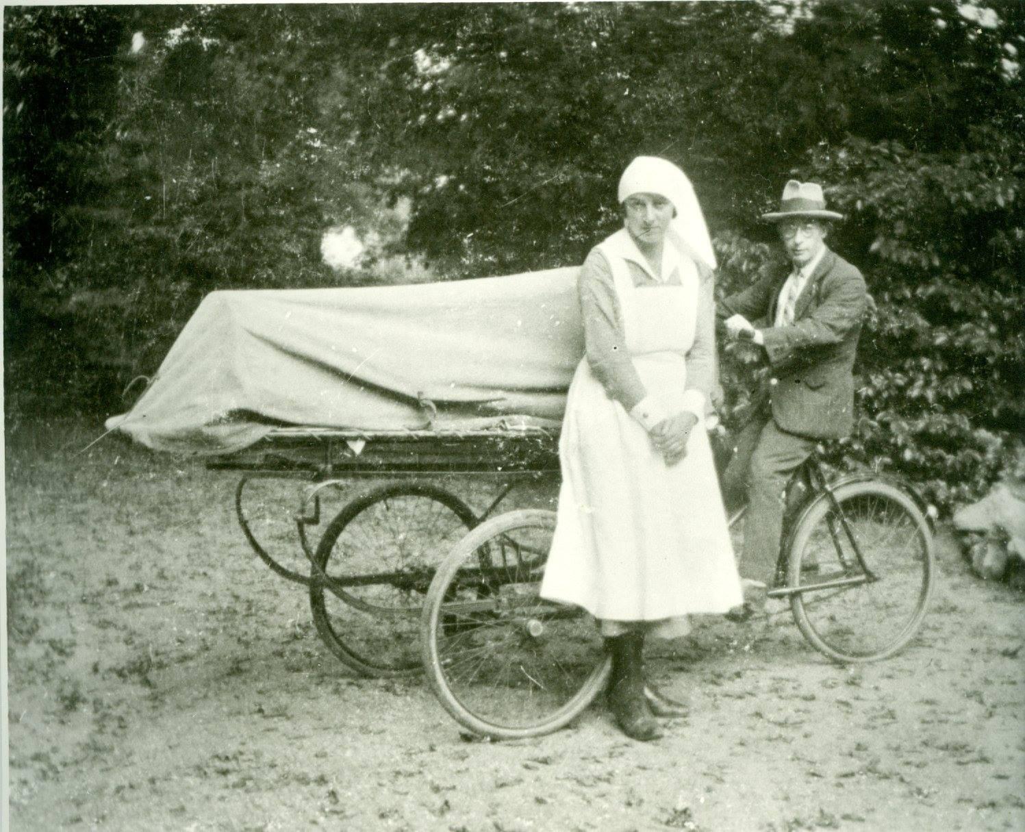 Afbeelding #001 voor het verhaal De ambulance van Lou Annot
