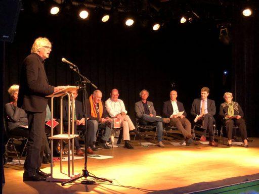 Afbeelding #002 voor het verhaal De binnenstad en ondernemen: een avondje Middelburgse politiek in De Spot