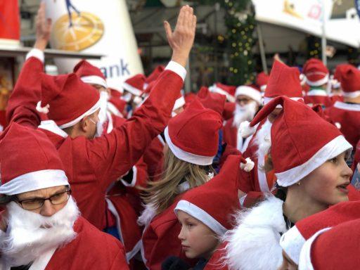 Afbeelding #009 voor het verhaal De eerste Rotary Santa Run Middelburg