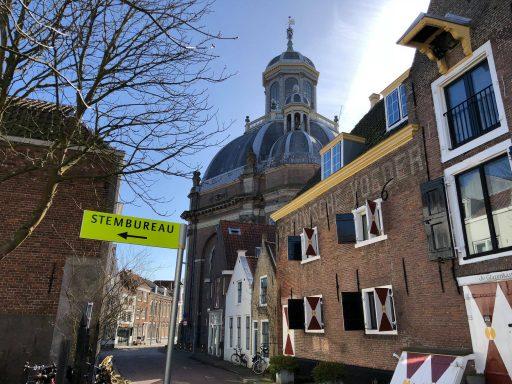 Afbeelding #000 voor het verhaal De gemeente is De Stad 2: het inrichten van de stembureau's