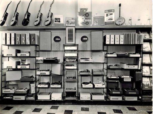 Afbeelding #003 voor het verhaal De geschiedenis van muziekwinkel Wagenvoort in Middelburg