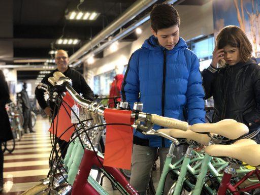 Afbeelding #003 voor het verhaal De goede doelen van de CSW, of hoe Sem Euser fietsen wint