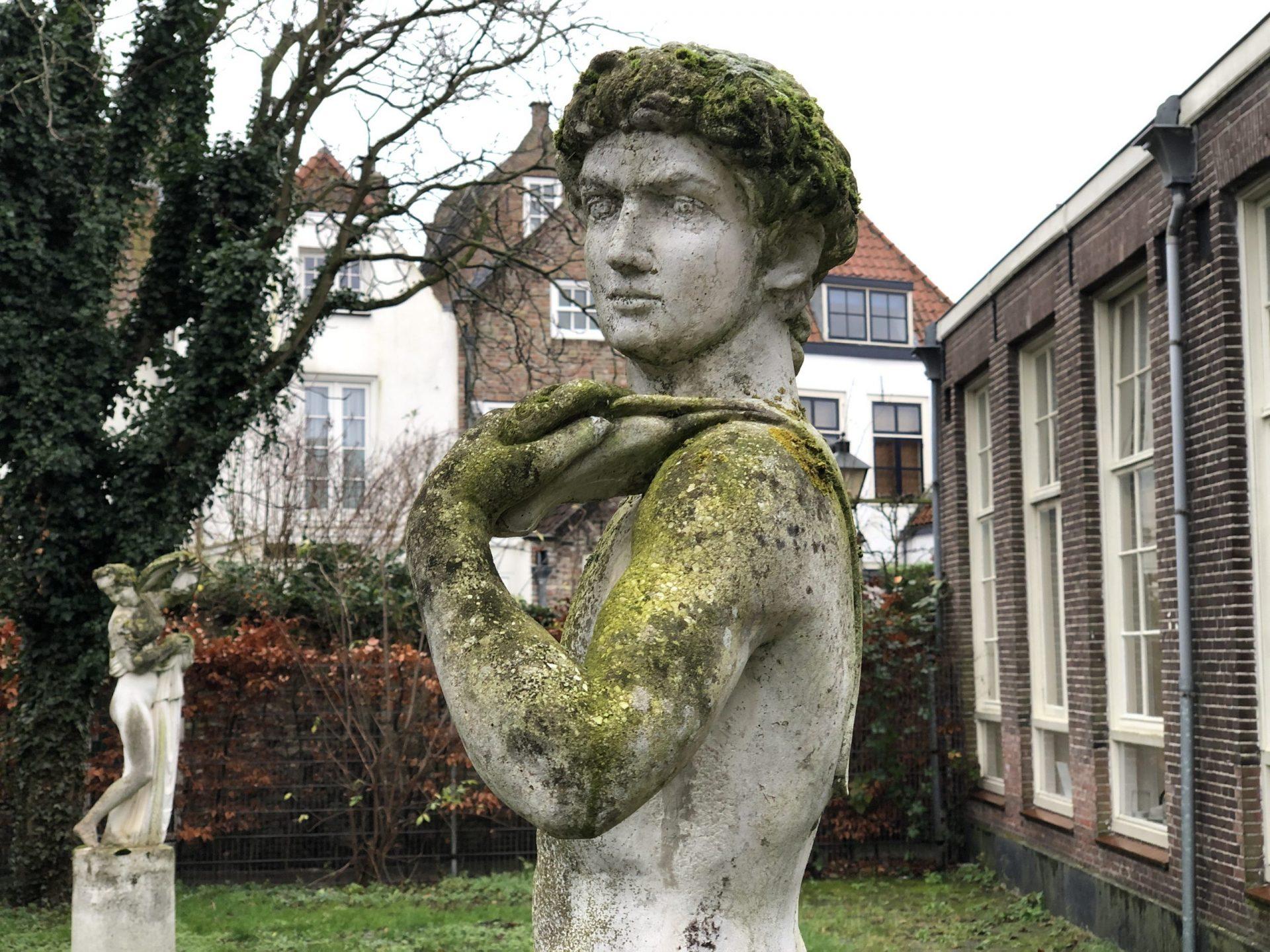 Afbeelding #001 voor het verhaal De kunstenaars van MAS/GHL in Middelburg: Anne-Marie van Sprang