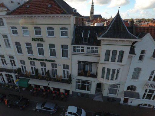 Afbeelding #003 voor het verhaal De Loskade in Middelburg, gezien vanuit een drone