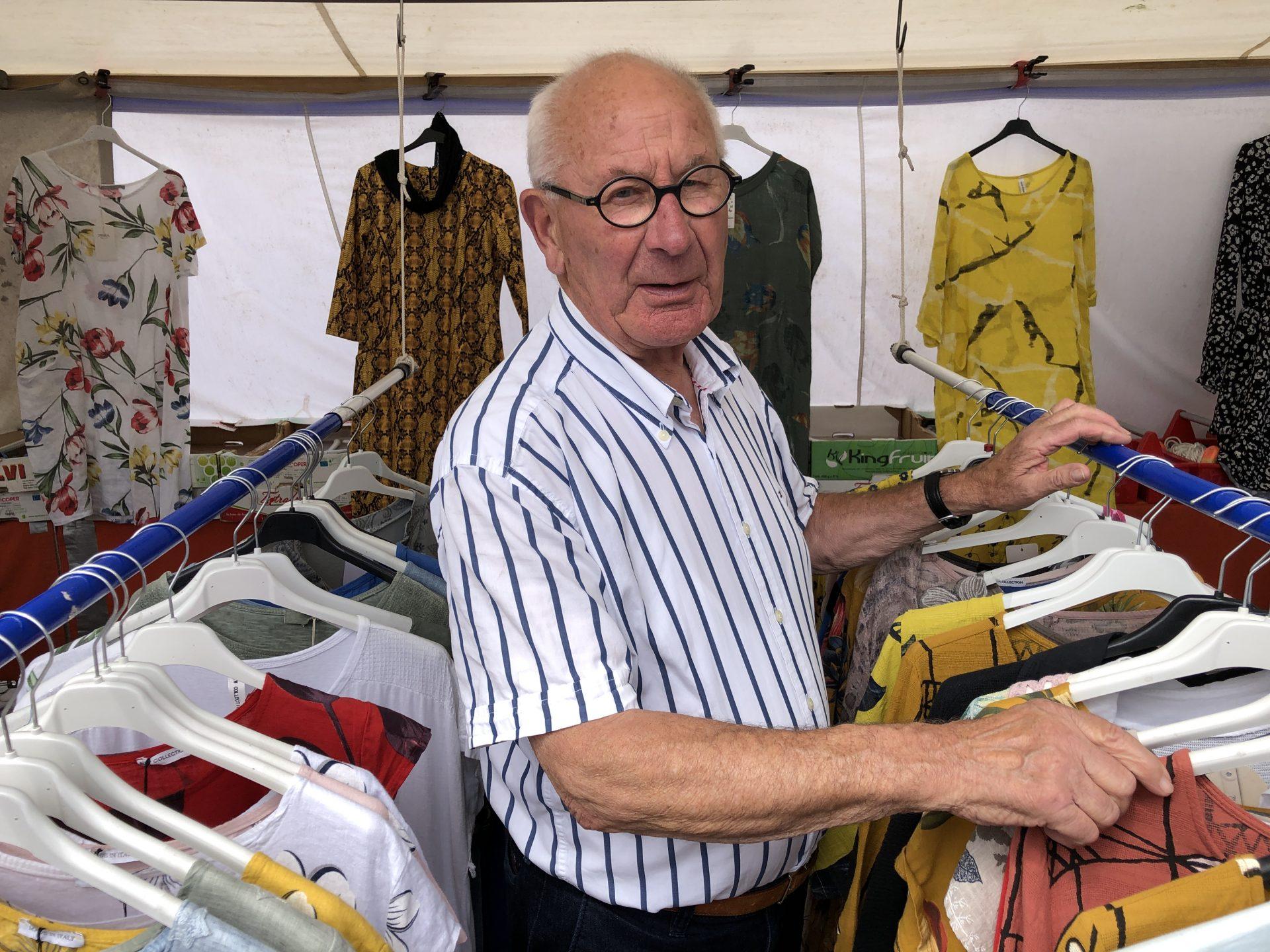 Afbeelding #000 voor het verhaal De Markt is De Stad! Een kijkje in de kraam van Arnold en Wil Oudsen