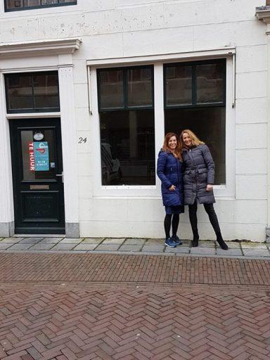Afbeelding #000 voor het verhaal De nieuwe huurders van Lange Geere 24: Esther en Mirjam