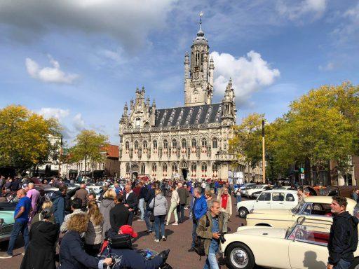 Afbeelding #003 voor het verhaal De Oldtimerdag 2018 op de Markt in Middelburg