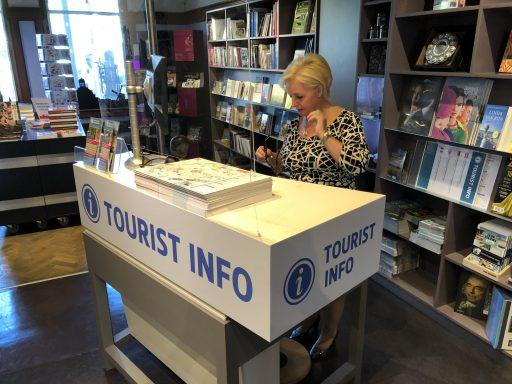Afbeelding #004 voor het verhaal De vernieuwing bij Tourist Info en de stadsgidsen van Middelburg