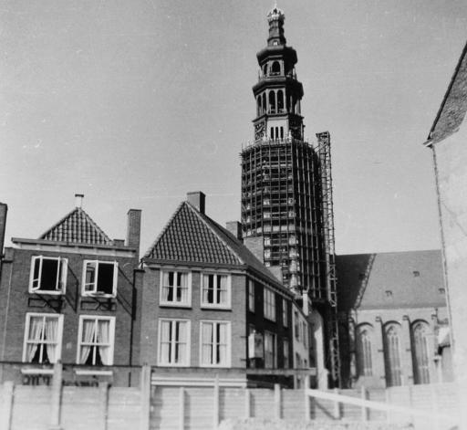 Afbeelding #000 voor het verhaal De wederopbouw van de Lange Jan in Middelburg, 1940-1955