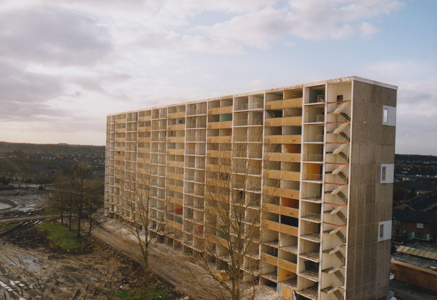 Afbeelding #000 voor het verhaal December 2000: het opblazen van de flats in Middelburg-Zuid