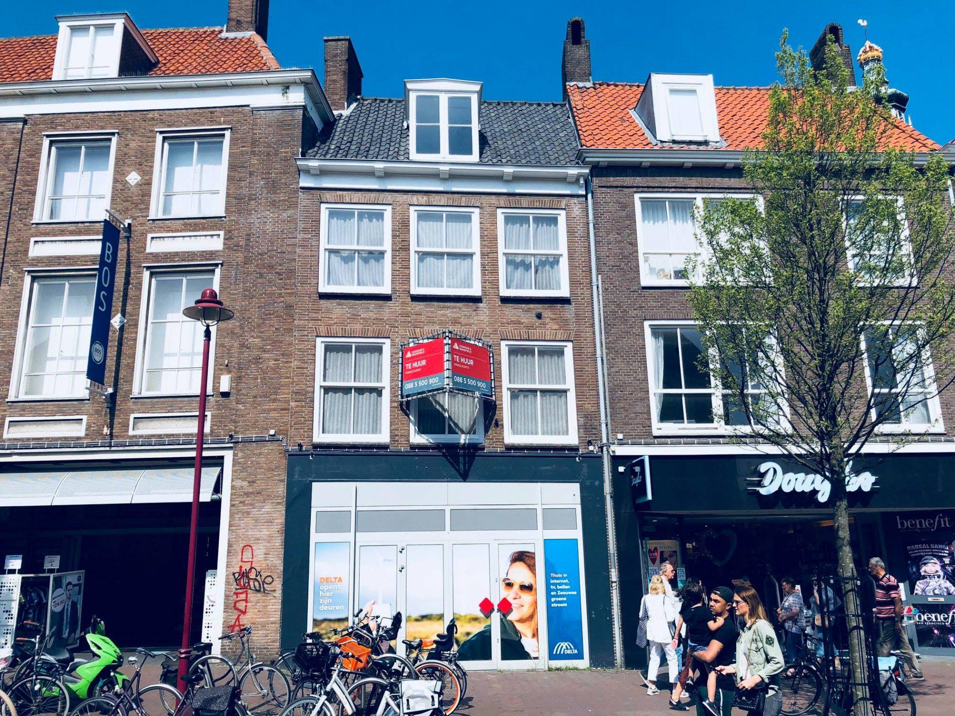 Afbeelding #002 voor het verhaal Delta opent winkel in de Lange Delft
