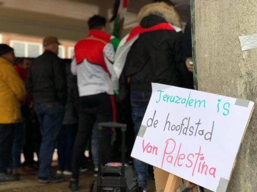 Afbeelding #000 voor het verhaal Demonstreren op het Damplein in Middelburg, 23 december 2017