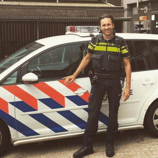 Afbeelding #000 voor het verhaal Dennis is De Stad: een nachtje mee met de politie in Middelburg